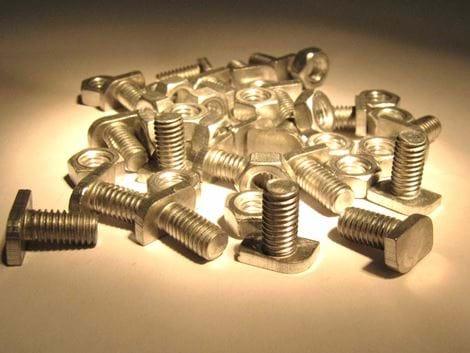 CROPPED NUT/BOLTS