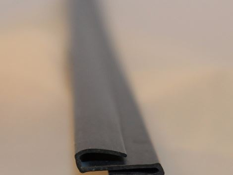 Glass to acrylic linking strip 711 - CURVED - 610MM - R2