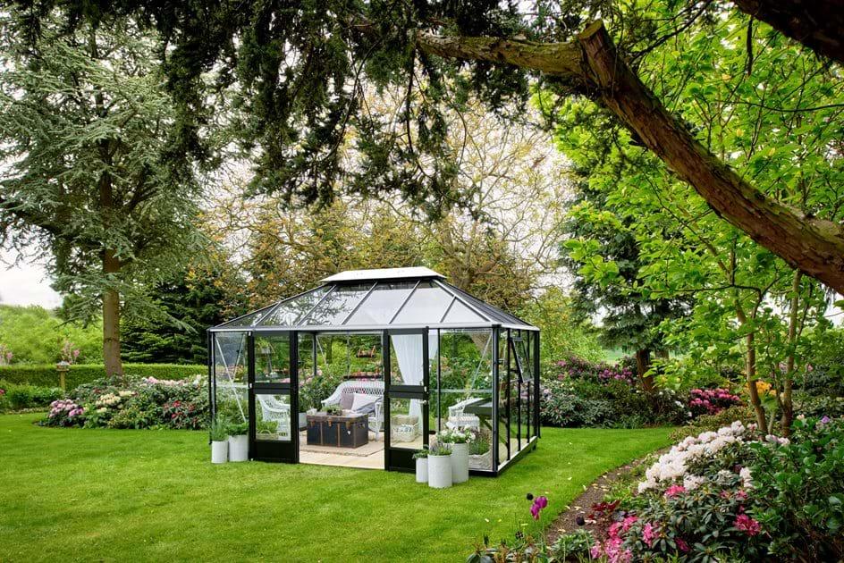 juliana grand oase. Black Bedroom Furniture Sets. Home Design Ideas